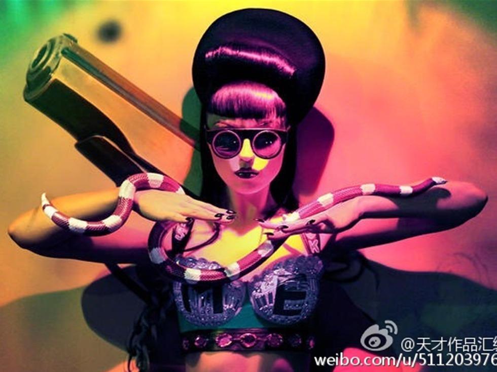 全球首位截肢女歌手暴力来袭