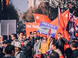 澳洲华人抗议南海仲裁大游行