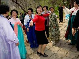 朝鲜表情:闭关锁国中的自娱自乐[图集]