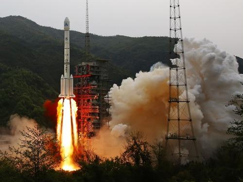 首枚电推卫星 揭秘实践13号特殊功能