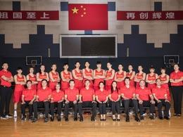 中国女篮发布官方写真 许利民率队亮相[图]