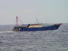 越南出動30艘漁政船對峙中國海警[圖集]