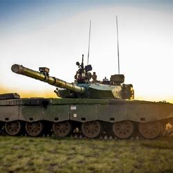 99坦克贴身保镖身价