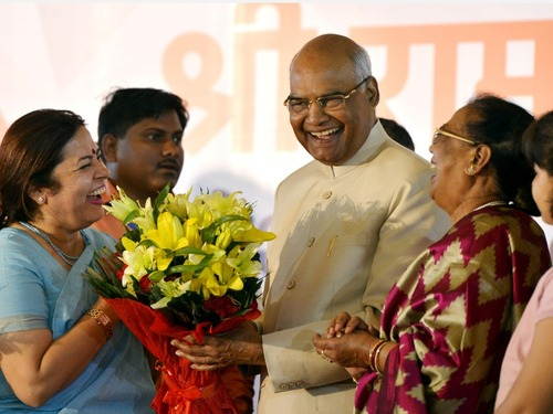 """""""賤民之子""""考文德当選印度新總統"""
